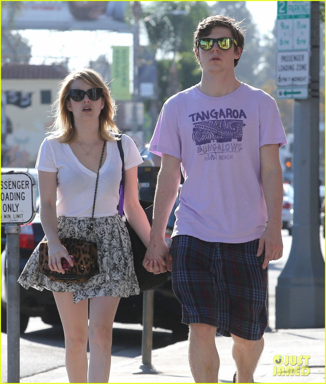 emma roberts evan peters holding hands on melrose 03