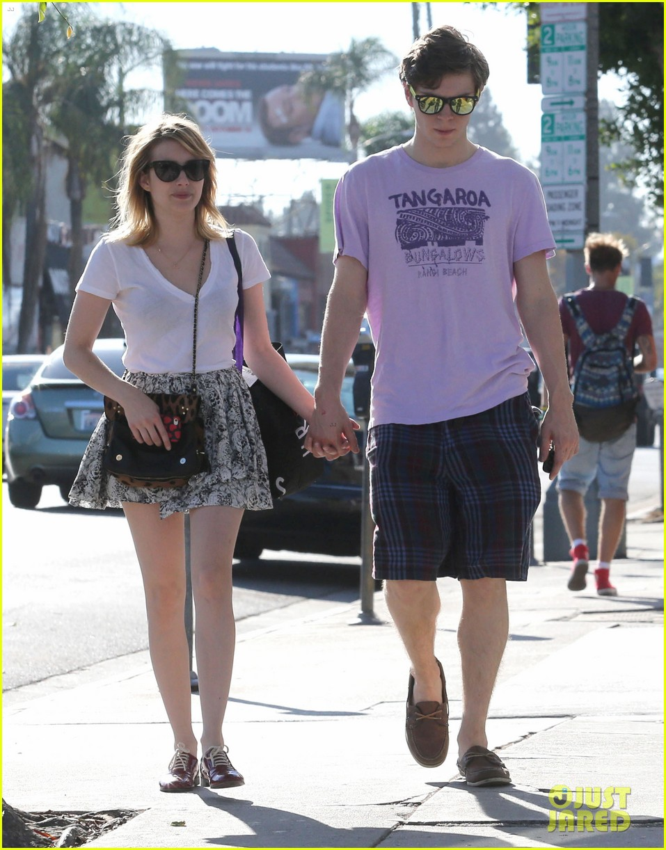 emma roberts evan peters holding hands on melrose 052725513