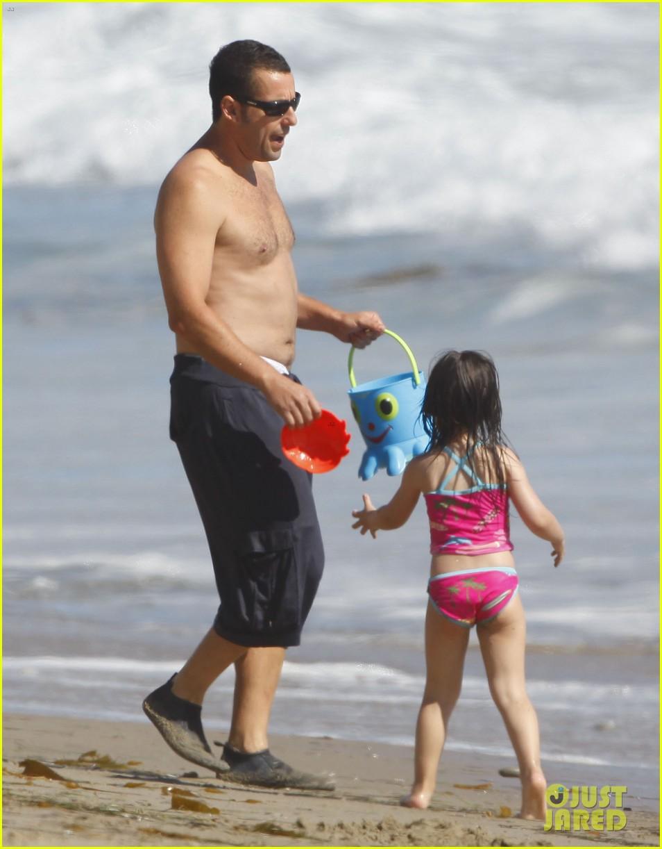 Adam Sandler: Shirtless Beach Time with Sadie & Sunny!