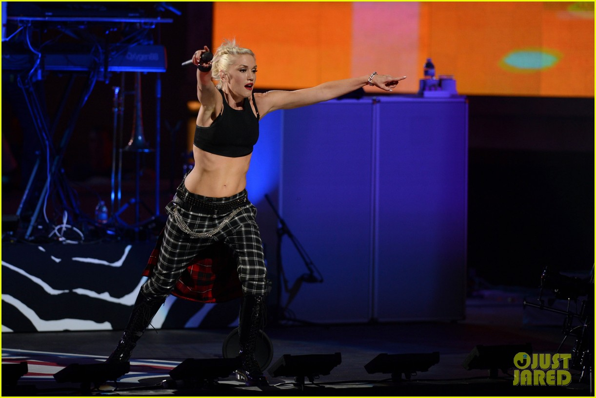 gwen stefani no doubt perform at nfl kick off concert 32