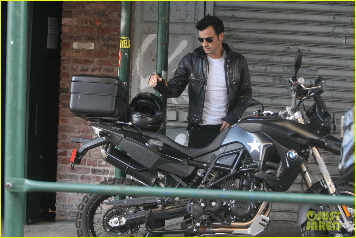 justin theroux manhattan motor man 022718915