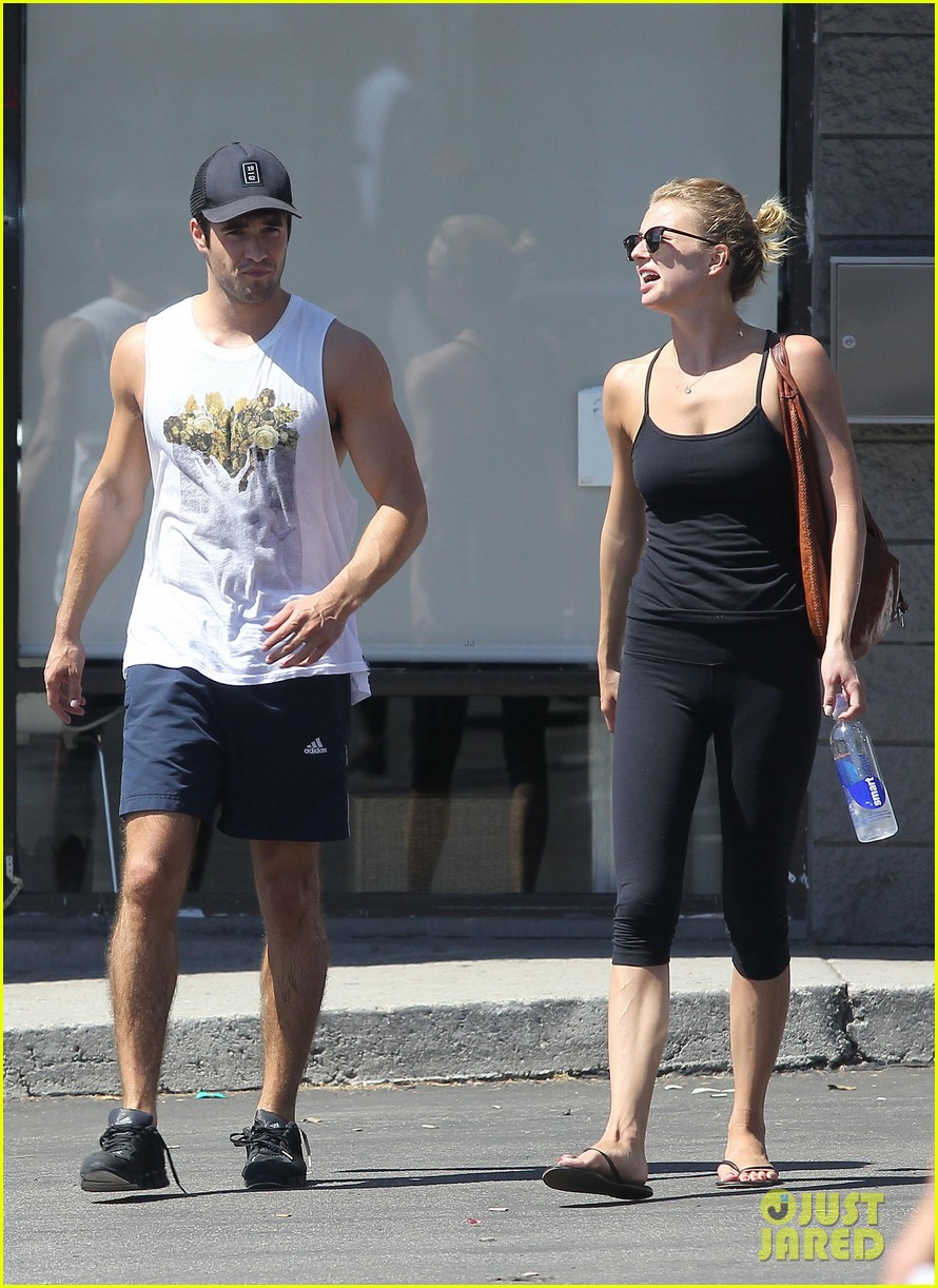 emily vancamp josh bowman watch revenge on netflix 04