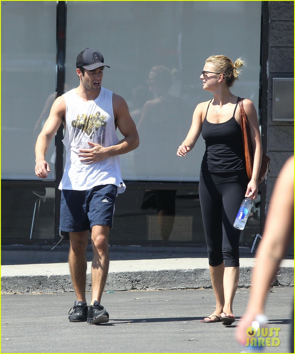 emily vancamp josh bowman watch revenge on netflix 07
