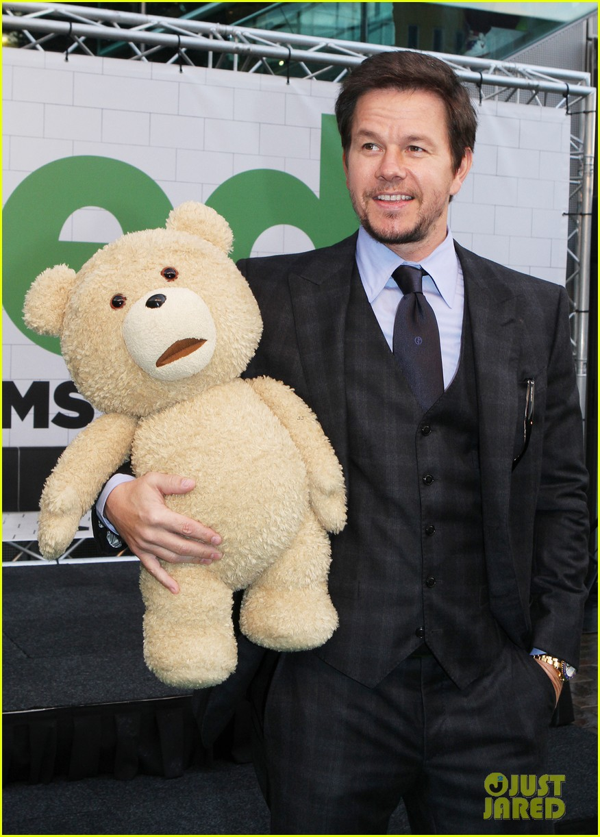 mark wahlberg ted premiere in holland 012720420