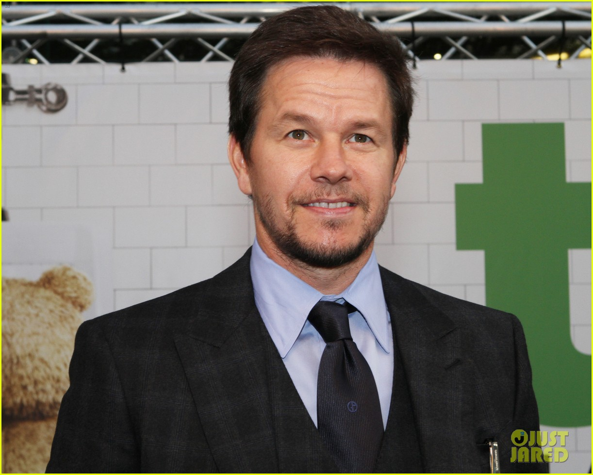 mark wahlberg ted premiere in holland 02
