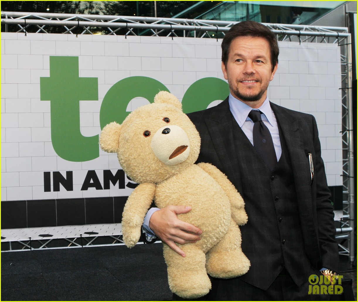 mark wahlberg ted premiere in holland 20