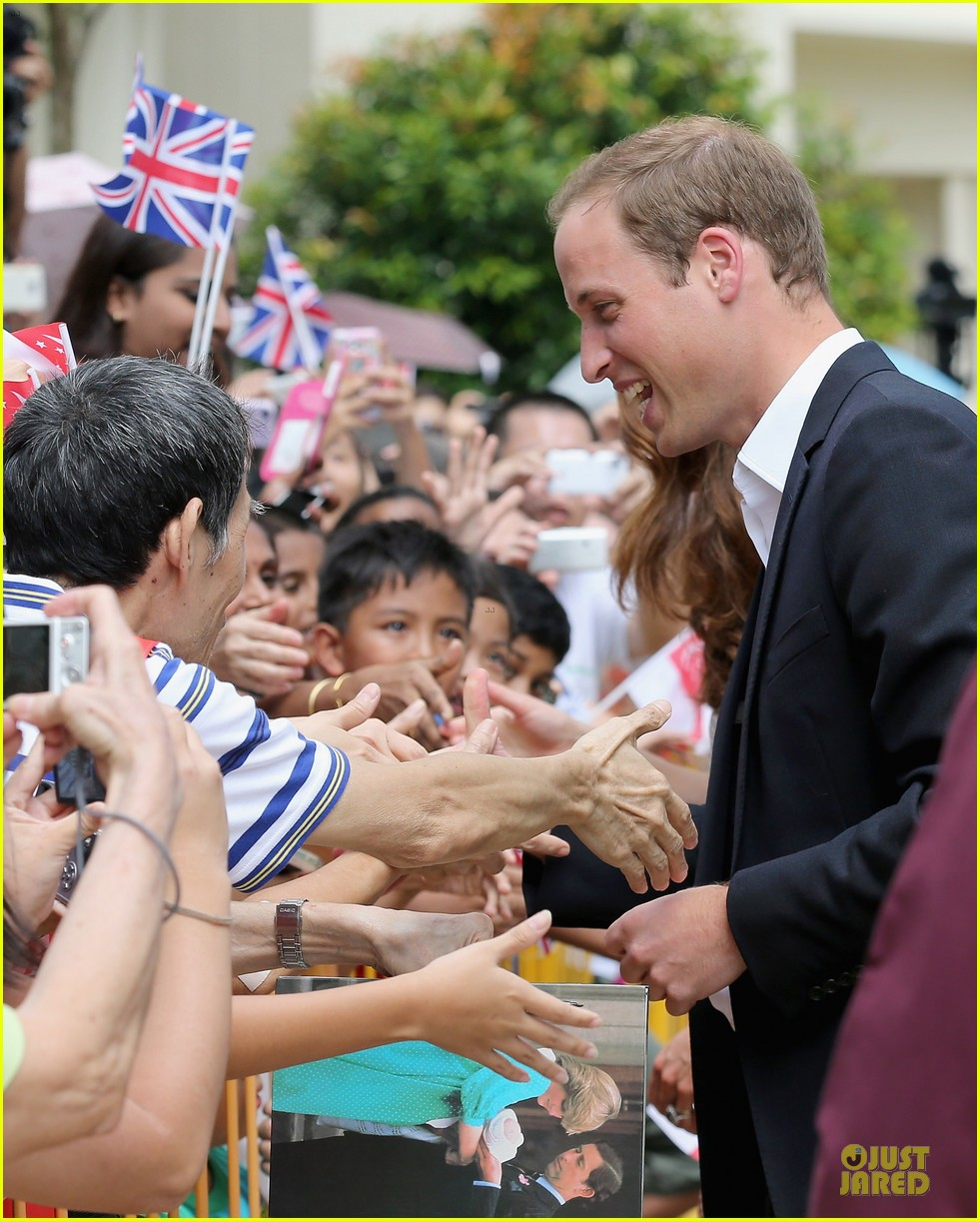 prince william duchess kate visit garden by the bay 09