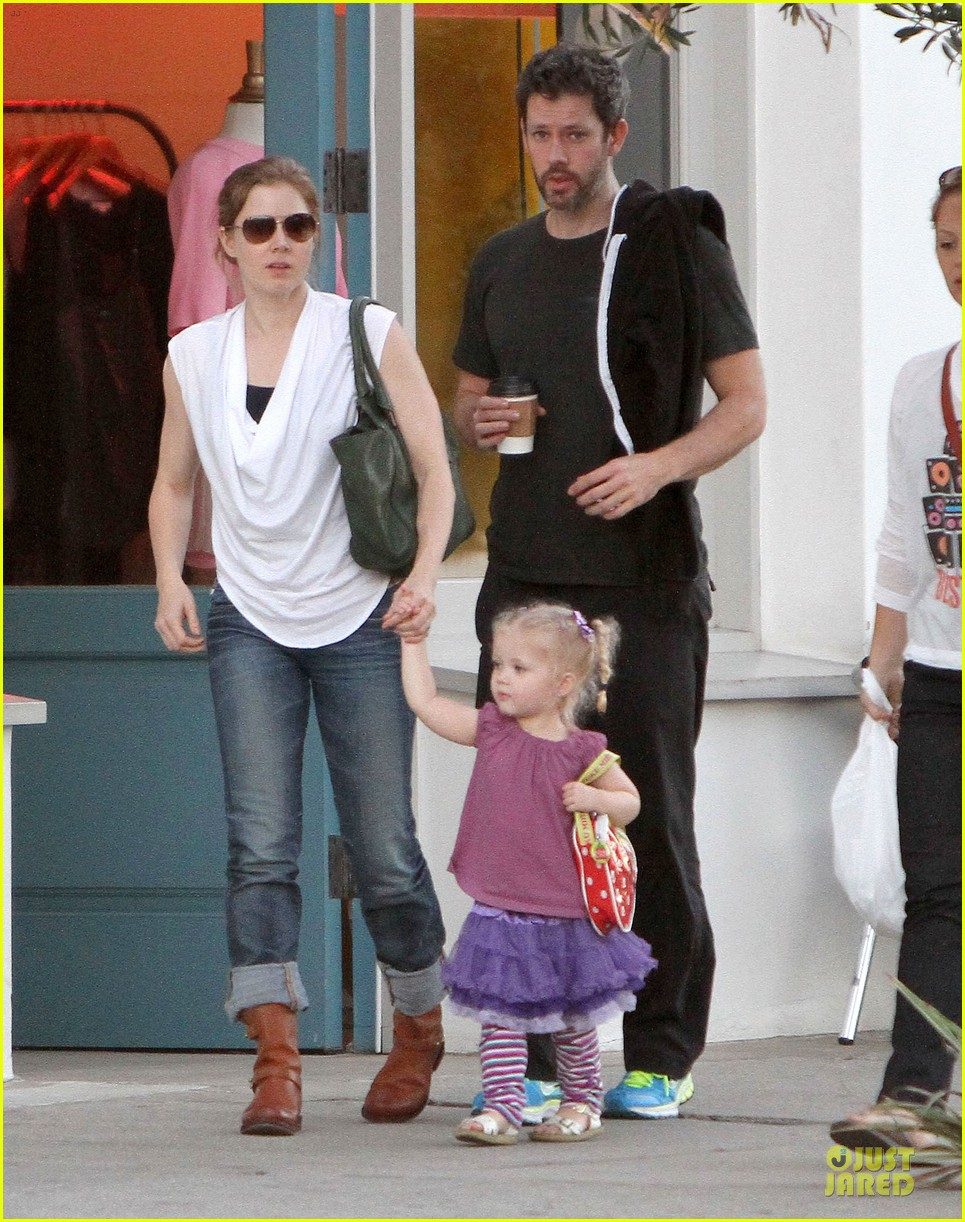 amy adams little next door restaurant with aviana 04