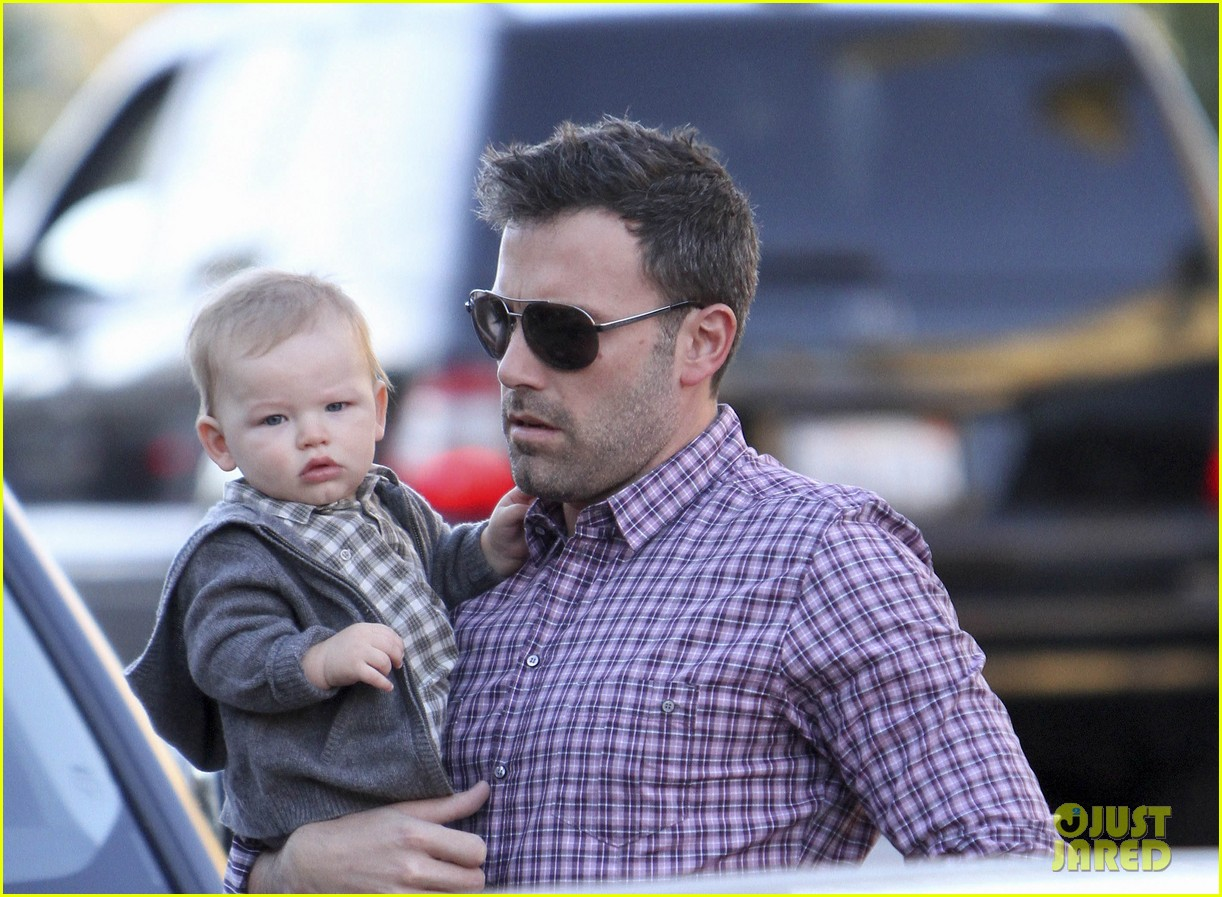 ben affleck jennifer garner family dinner with the kids 082746828