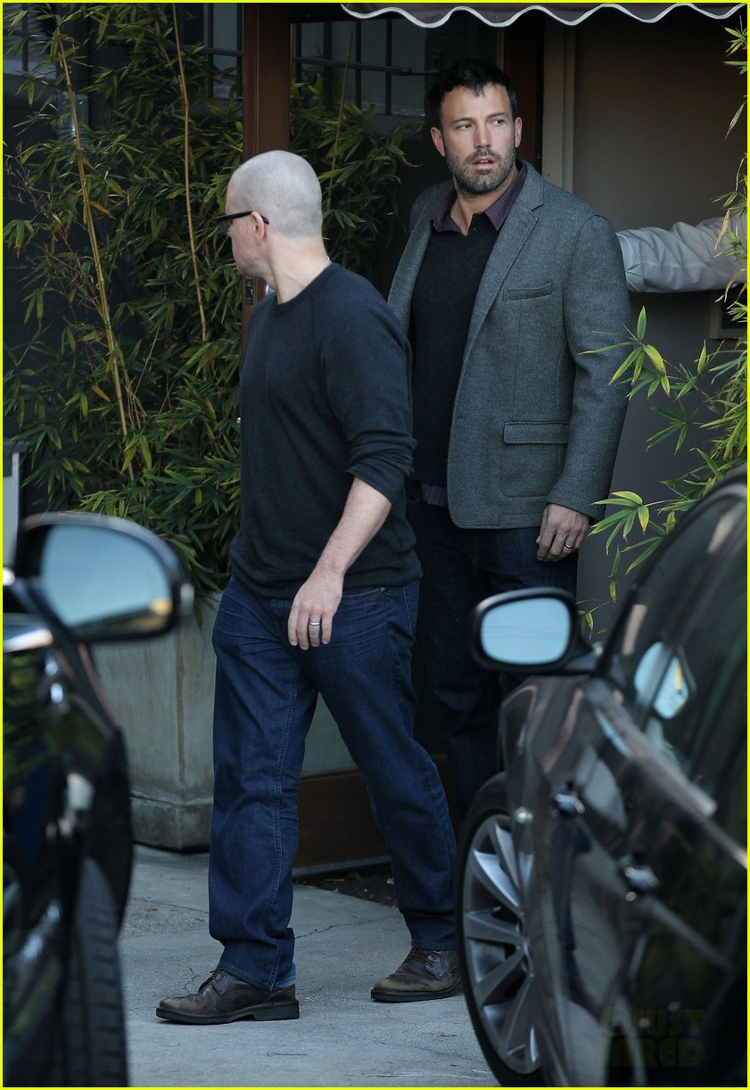 ben affleck matt damon business meeting buddies 11