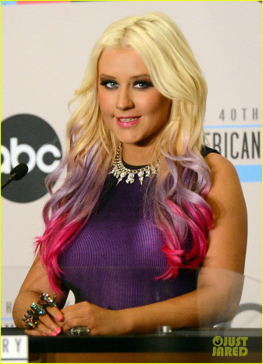 christina aguilera announces american music awards nominations 05