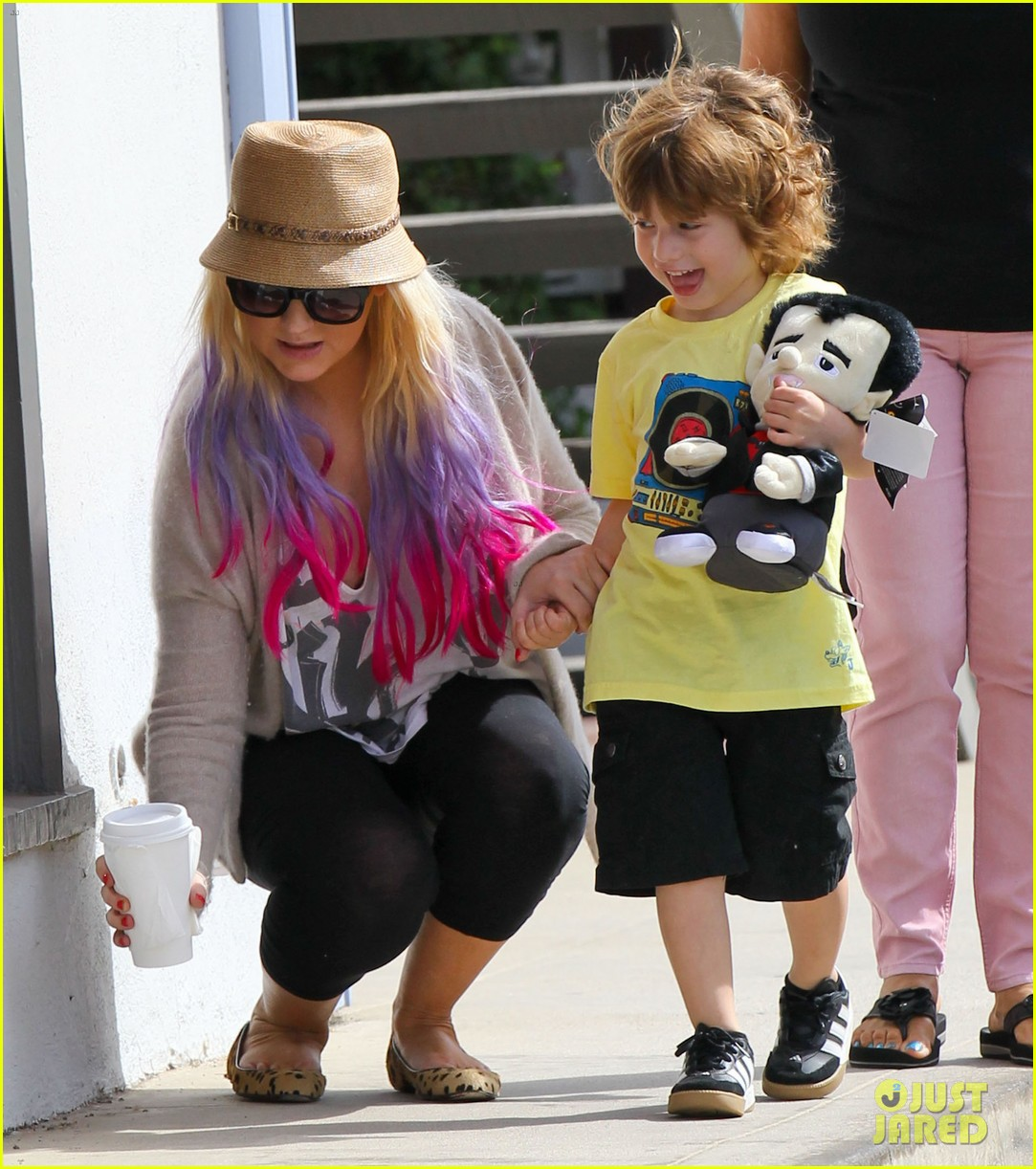 christina aguilera matthew rutler shopping with max 012734369