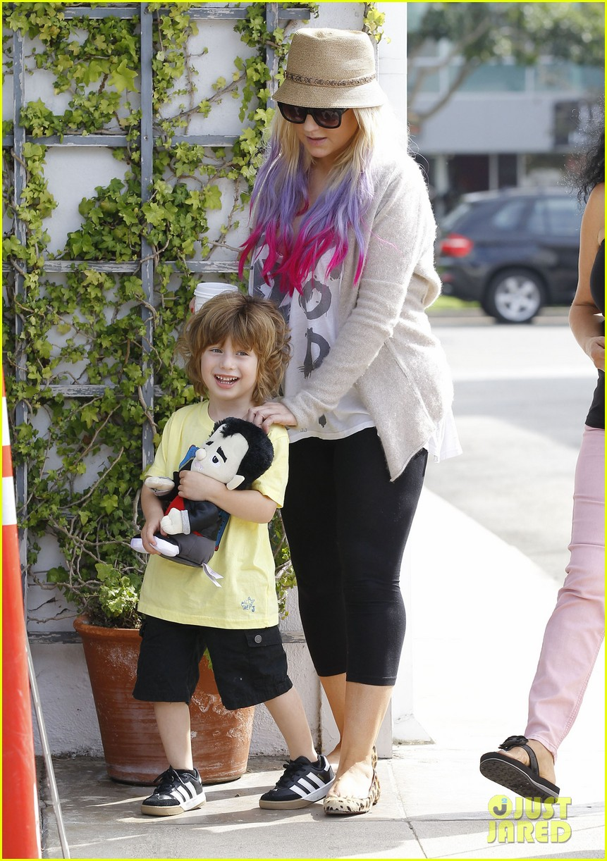 christina aguilera matthew rutler shopping with max 25