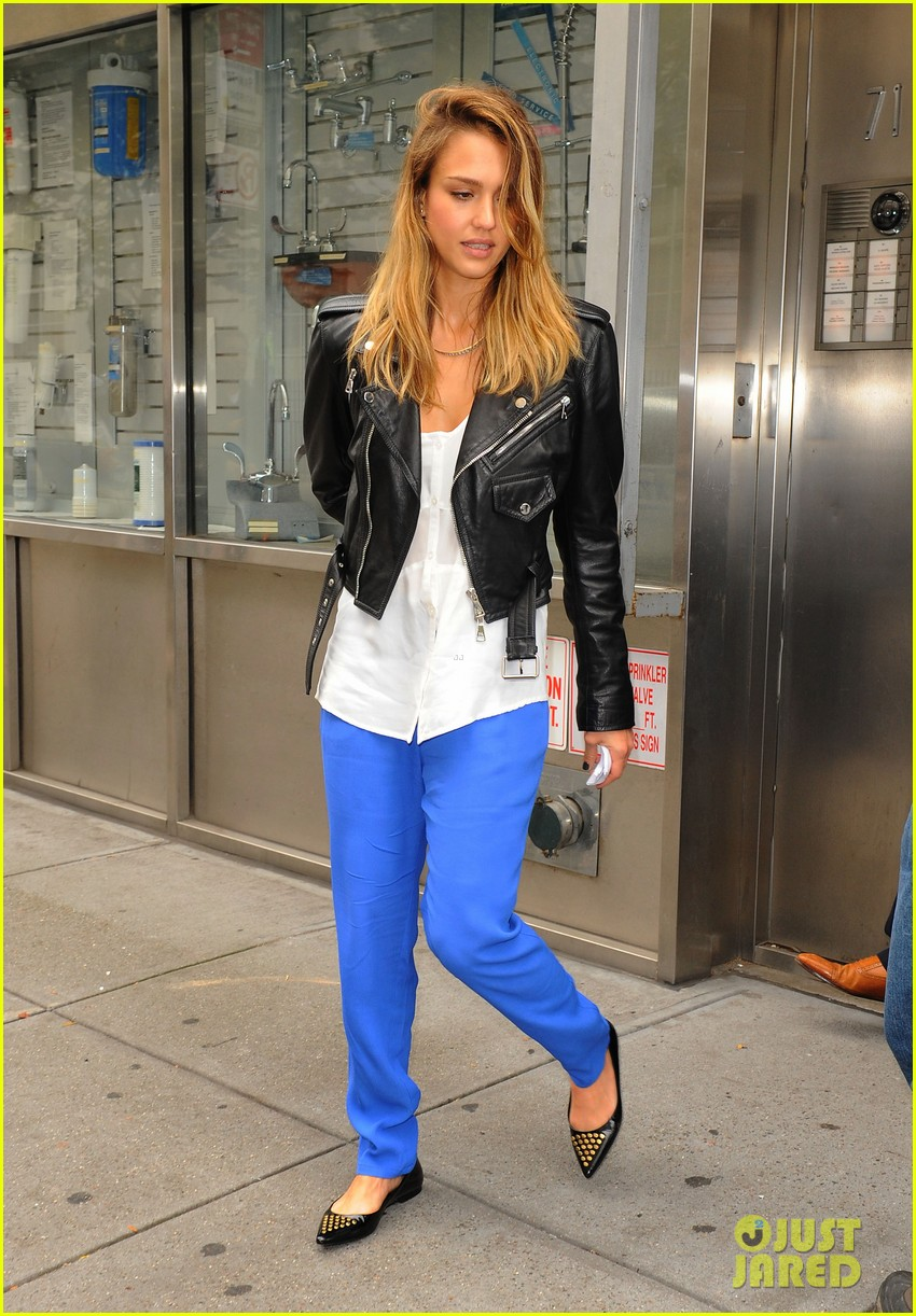 jessica alba big apple outing with haven 05