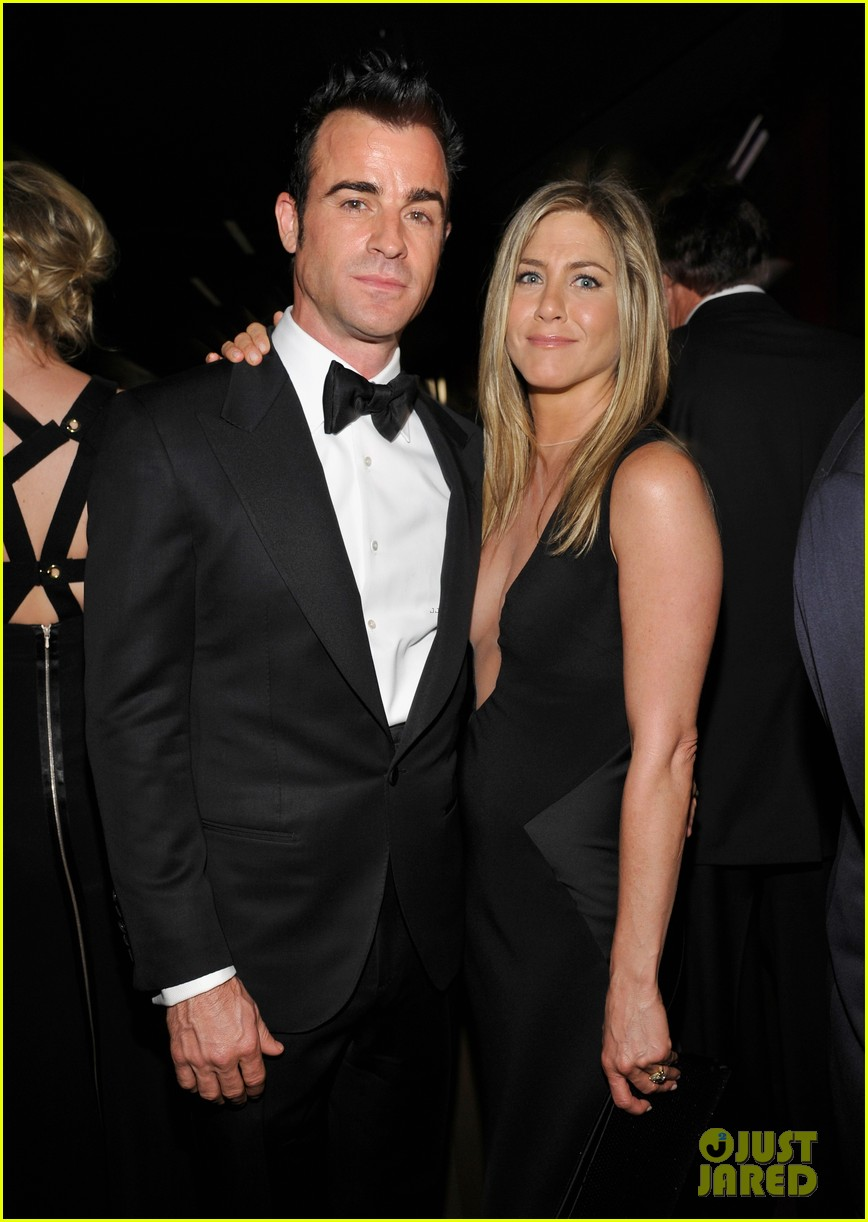 jennifer aniston justin theroux lacma gala with drew barrymore 022746682