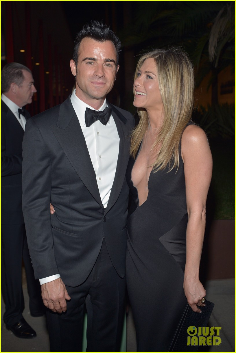 jennifer aniston justin theroux lacma gala with drew barrymore 072746687