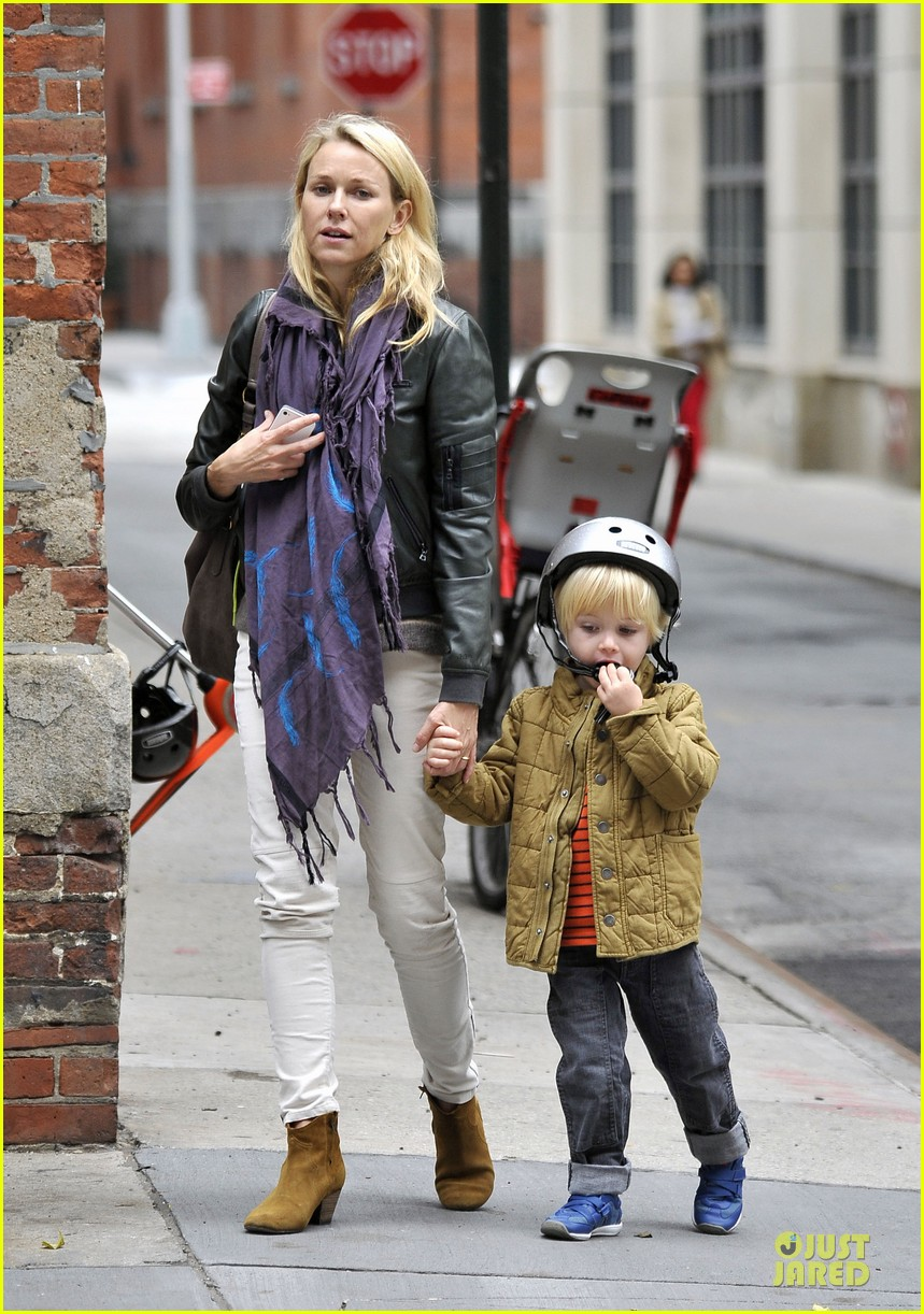 naomi watts i didnt know what to say to maria belon 01