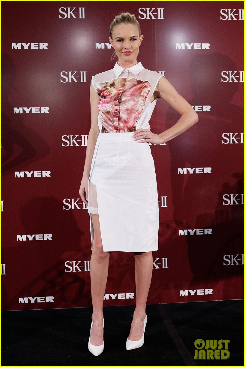 kate bosworth skii event at myer sydney city 01