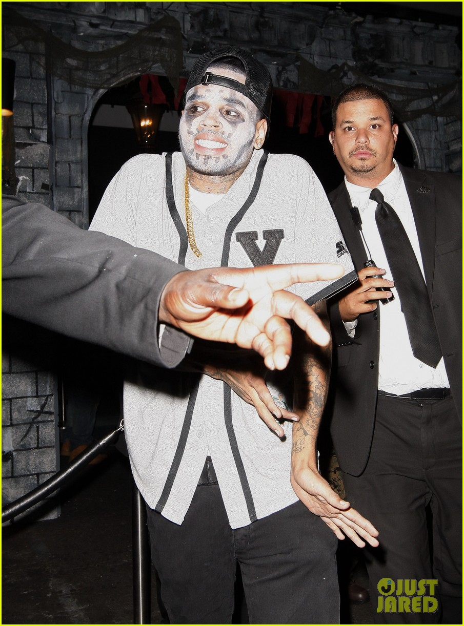 chris brown greystone manor halloween with karrueche tran 02