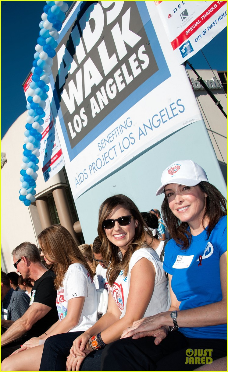 sophia bush christa b allen aids walk 06