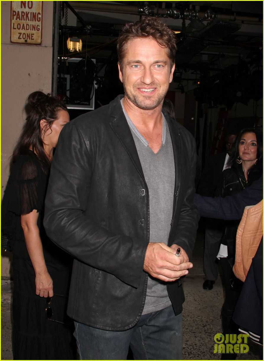 gerard butler krysten ritter live with kelly michael guests 012743513
