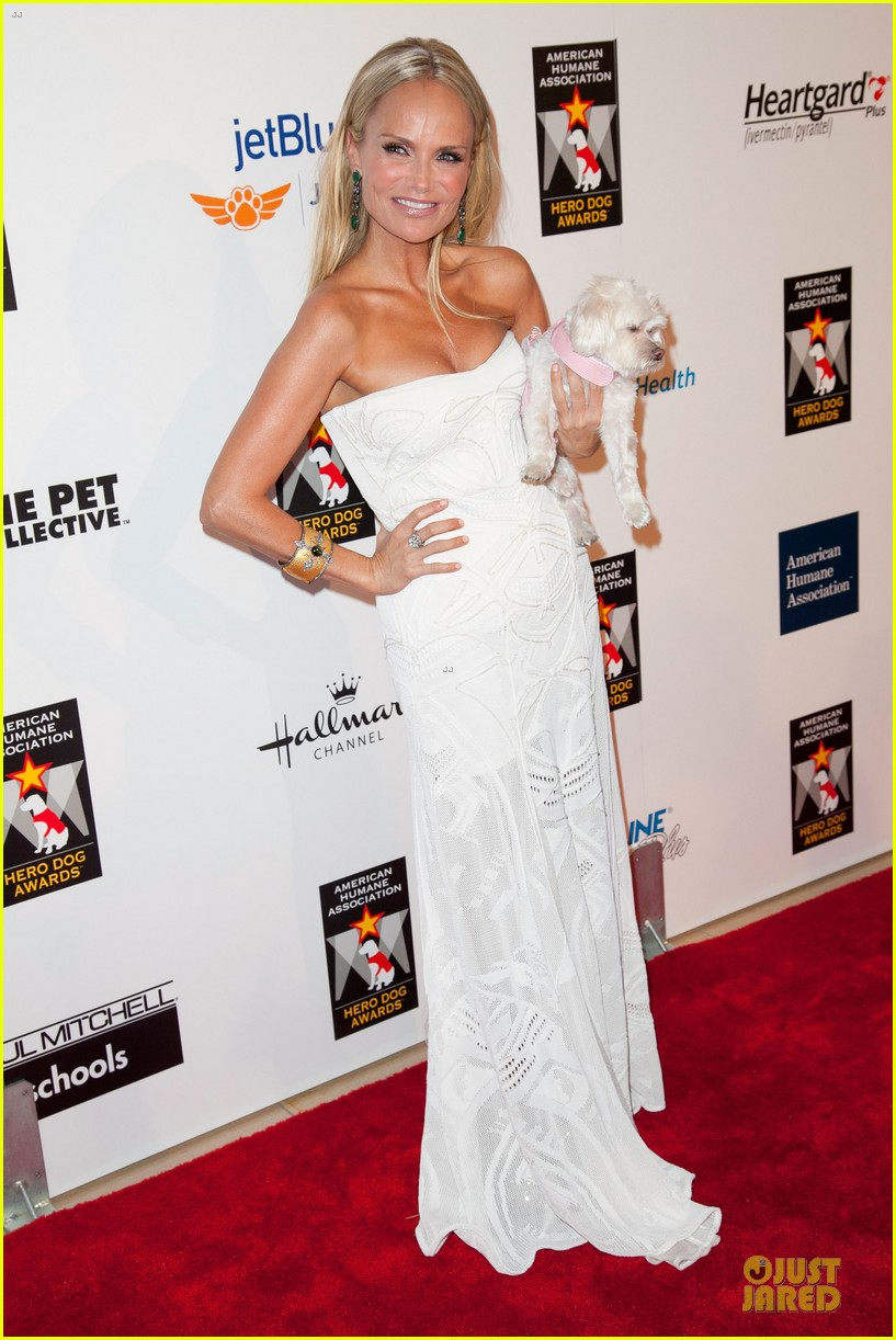 kristin chenoweth dog awards 01