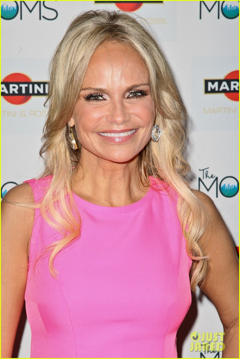 kristin chenoweth toasts to cancer survivors 06
