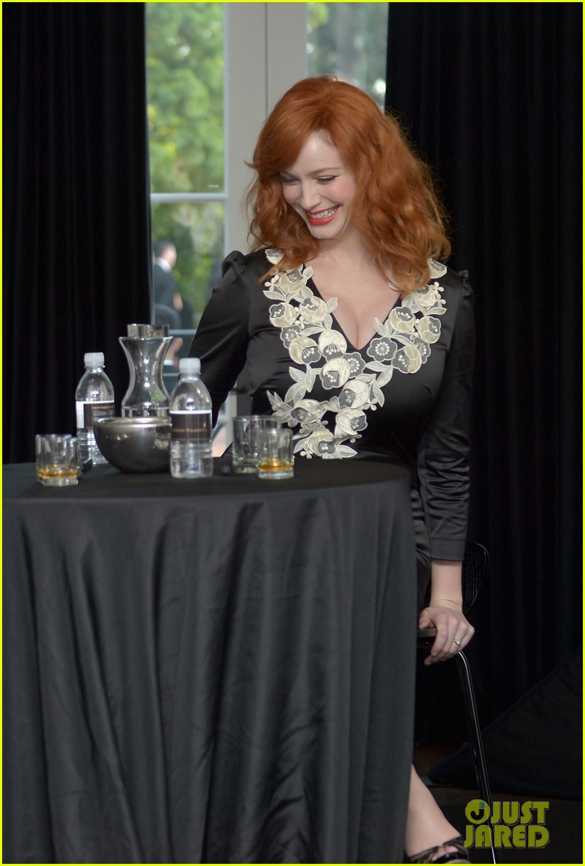 christina hendricks house of walker surprise guest 082740970