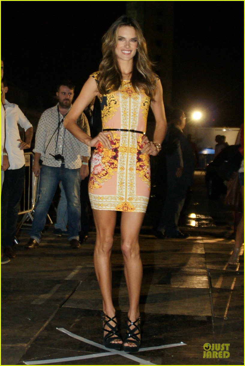 alessandra ambrosio colcci spring fall 2013 collection model 16