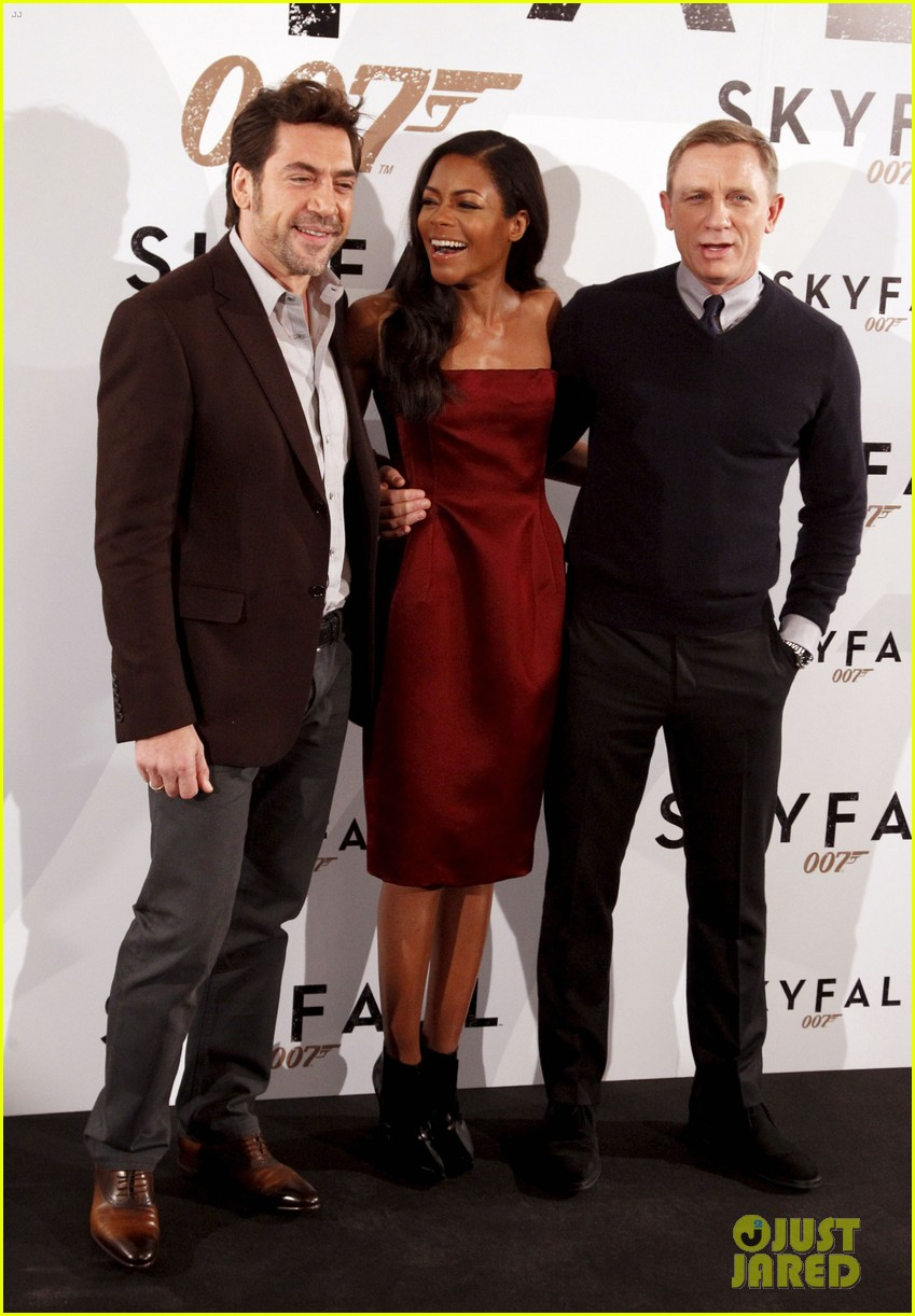 daniel craig javier bardem skyfall madrid photo call 012747483