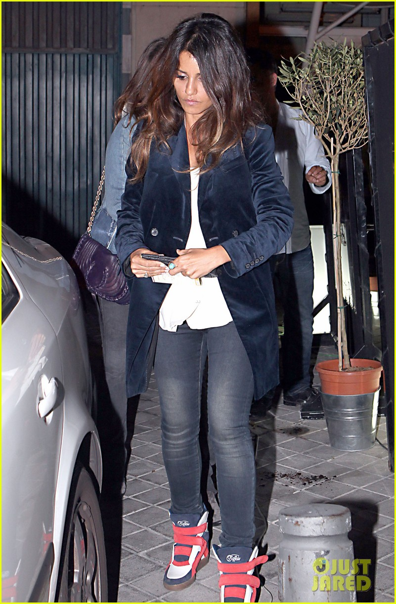 penelope cruz javier bardem dinner with monica and family 01