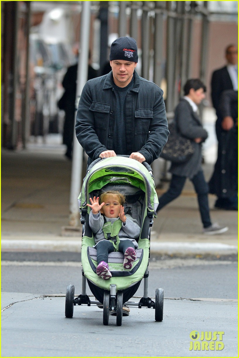 matt damon soho stroll with stella 032735907
