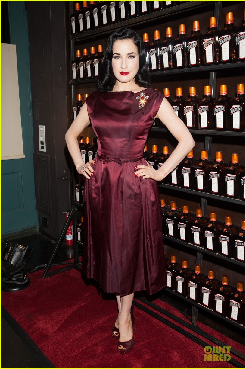 dita von teese cocktail debut in new york 19