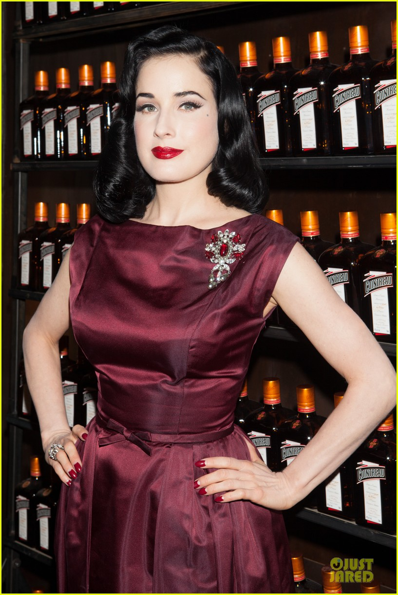 dita von teese cocktail debut in new york 21