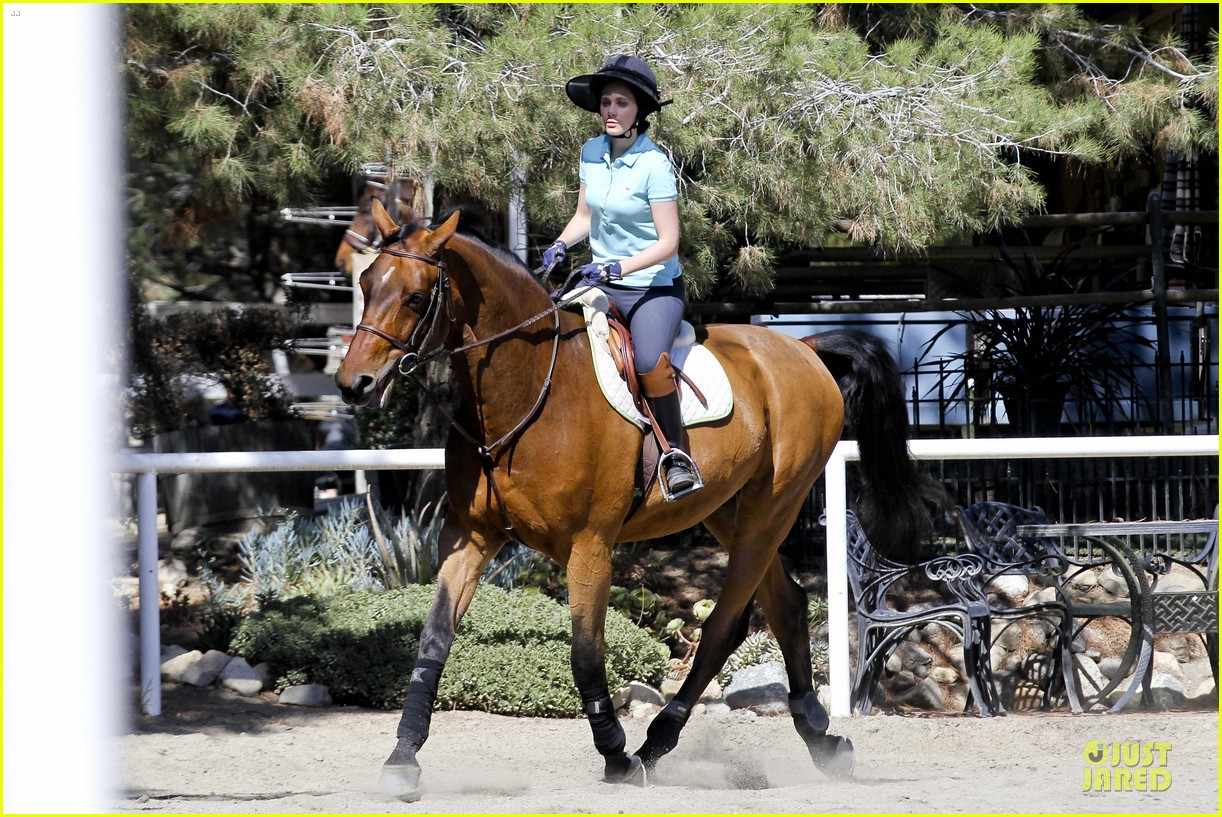 zooey deschanel horseback riding class 132741339