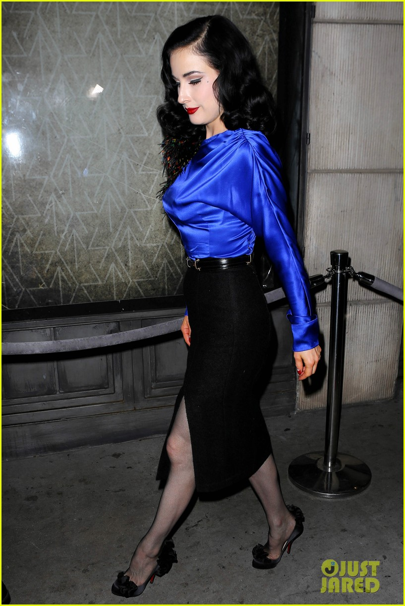 dita von teese prince sayers club performance 03