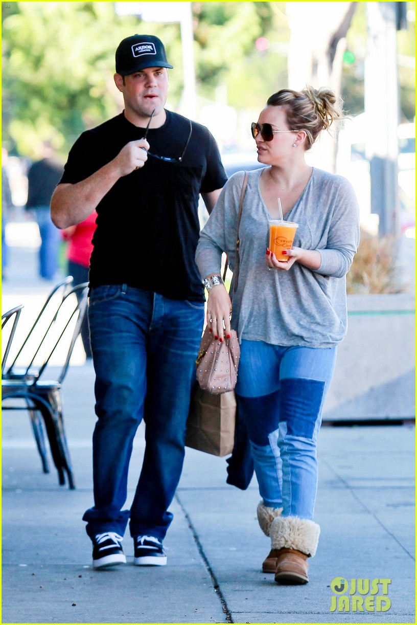 hilary duff mike comrie luca food shopping 22