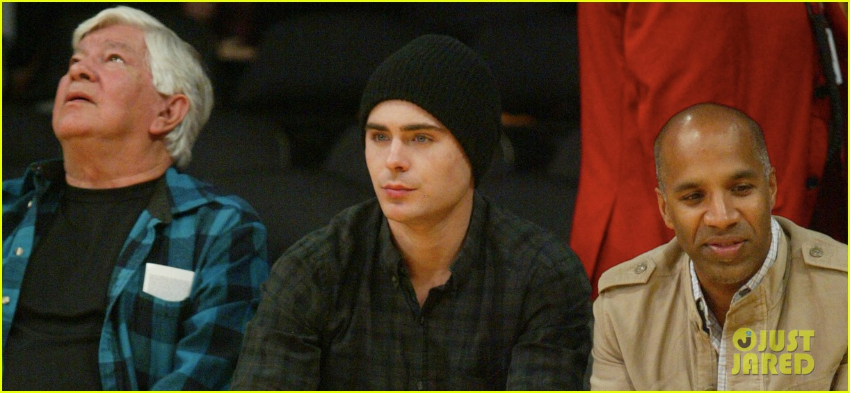 zac efron lakers la opener 02