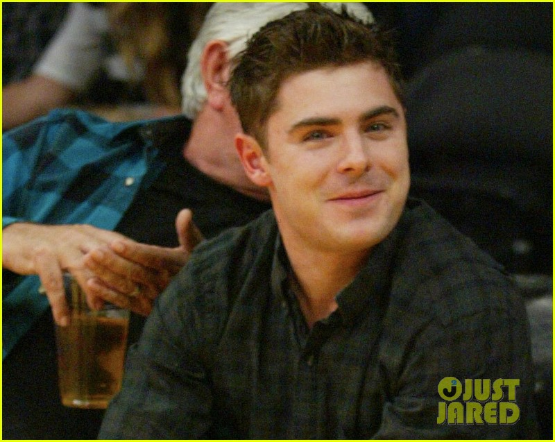 zac efron lakers la opener 03