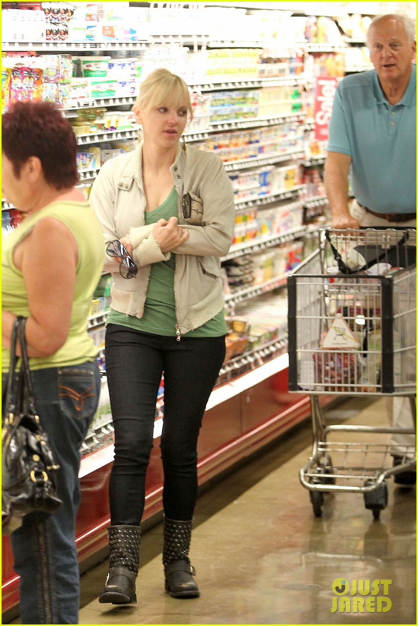 anna faris grocery shopping dad 052736036
