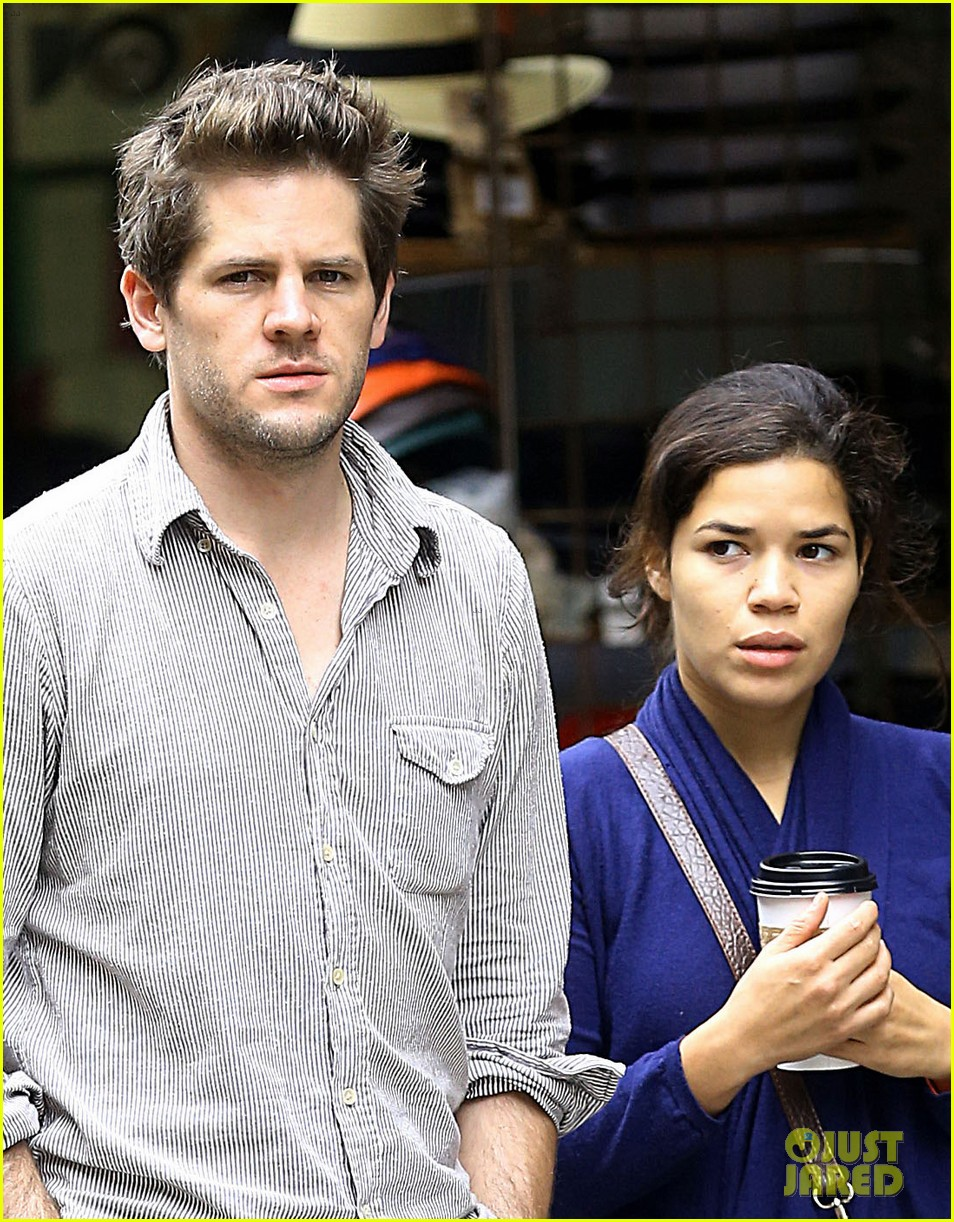 america ferrera ryan piers williams soho stroll 02