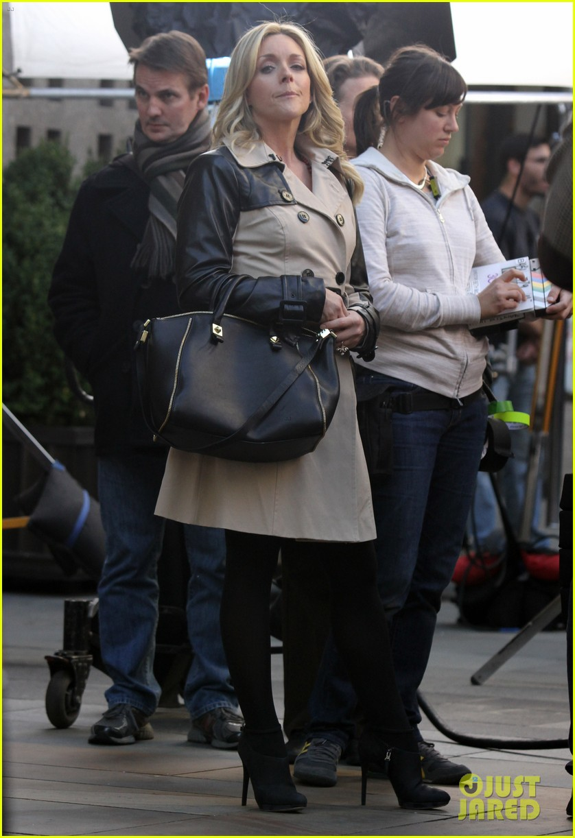 tina fey 30 rock set with jane krakowski 24