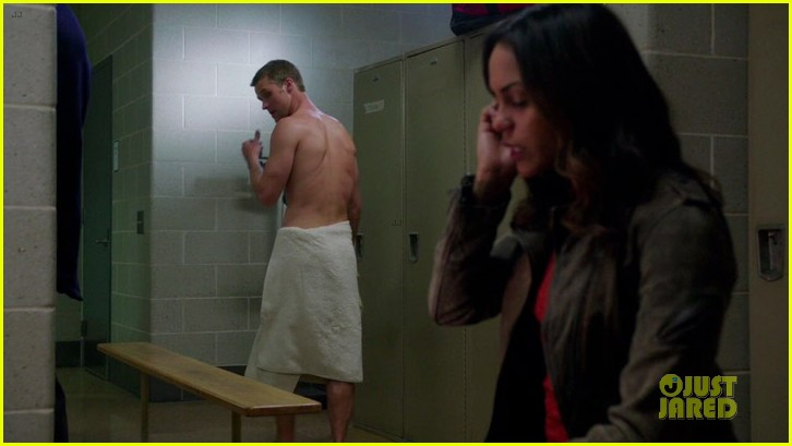 taylor kinney jesse spencer shirtless in chicago fire 13