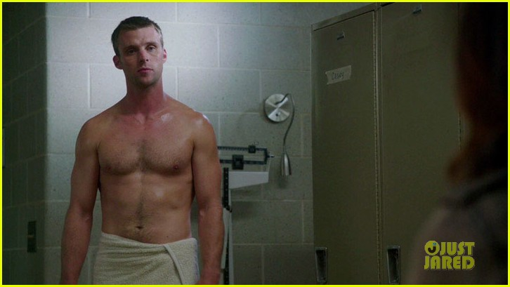 taylor kinney jesse spencer shirtless in chicago fire 16