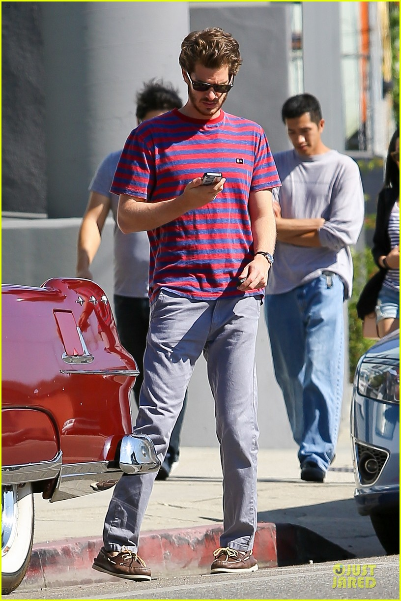 andrew garfield nautical sailing apparel shopping in venice 15