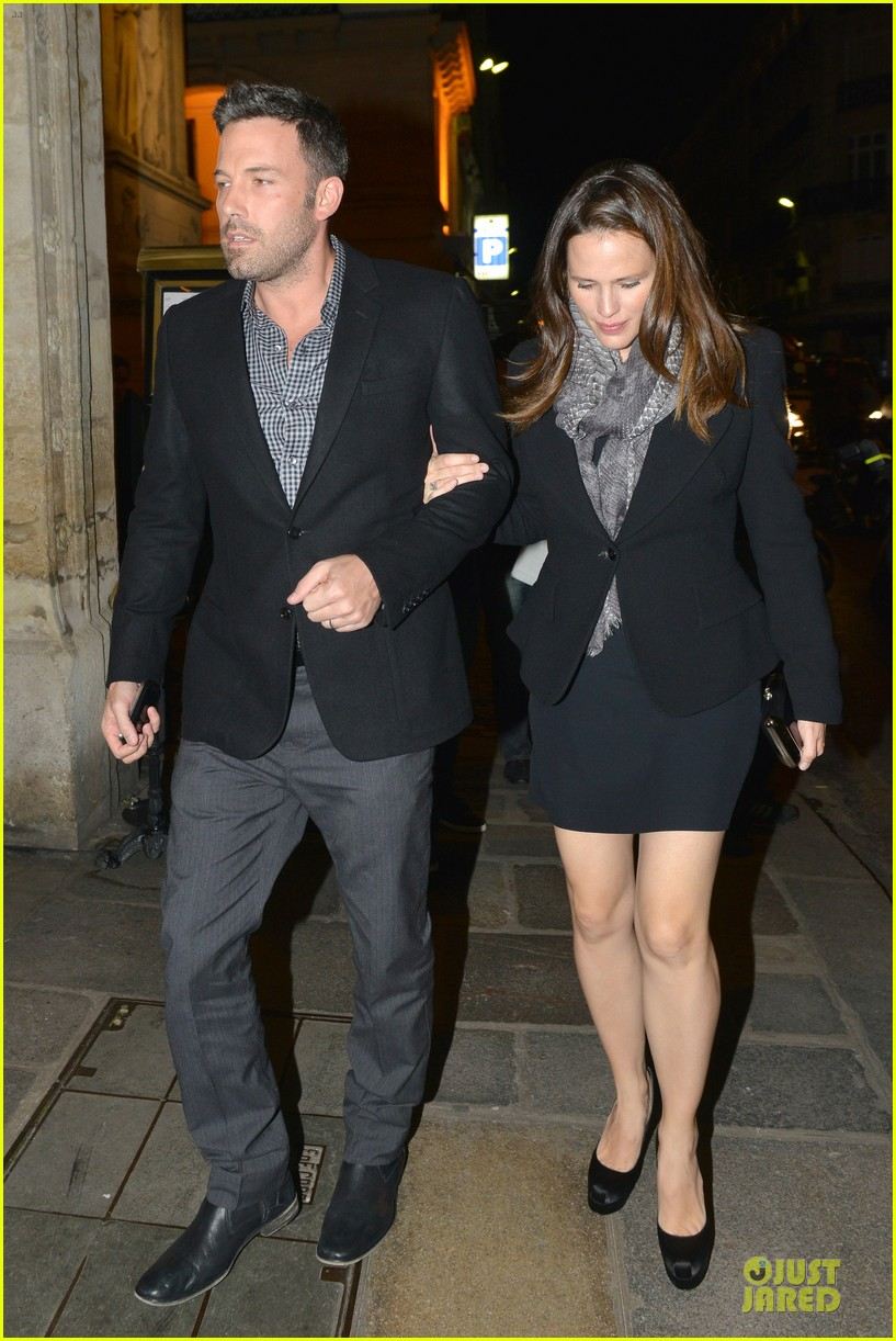 jennifer ben affleck romantic parisian dinner 12