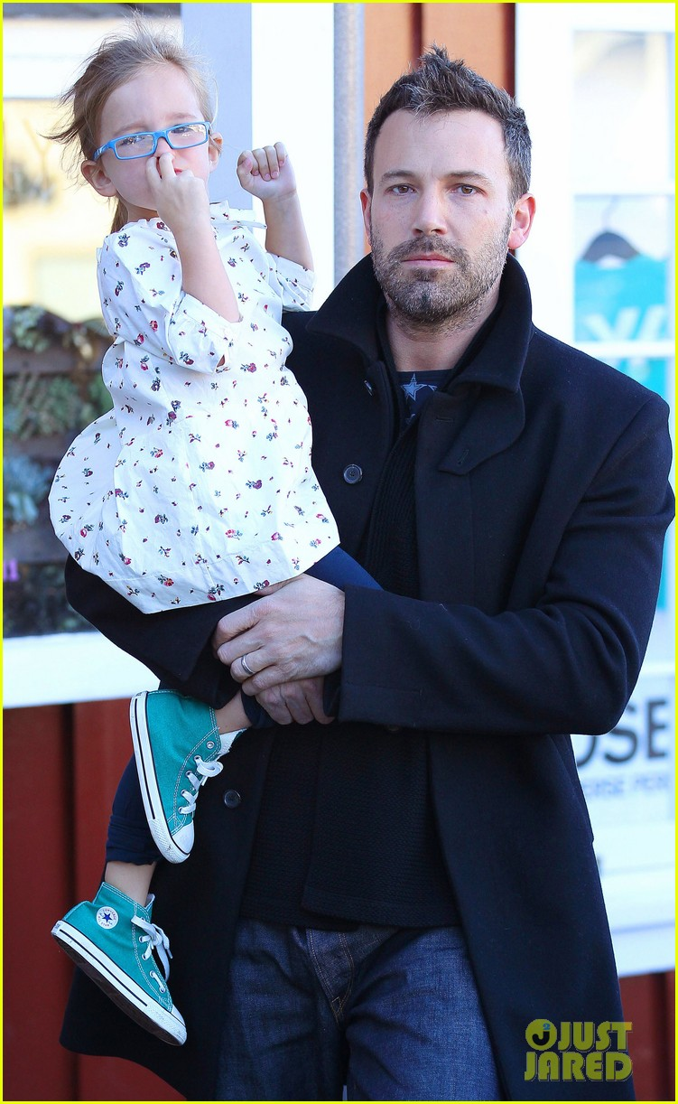 jennifer garner ben affleck brentwood breakfast with seraphina 08