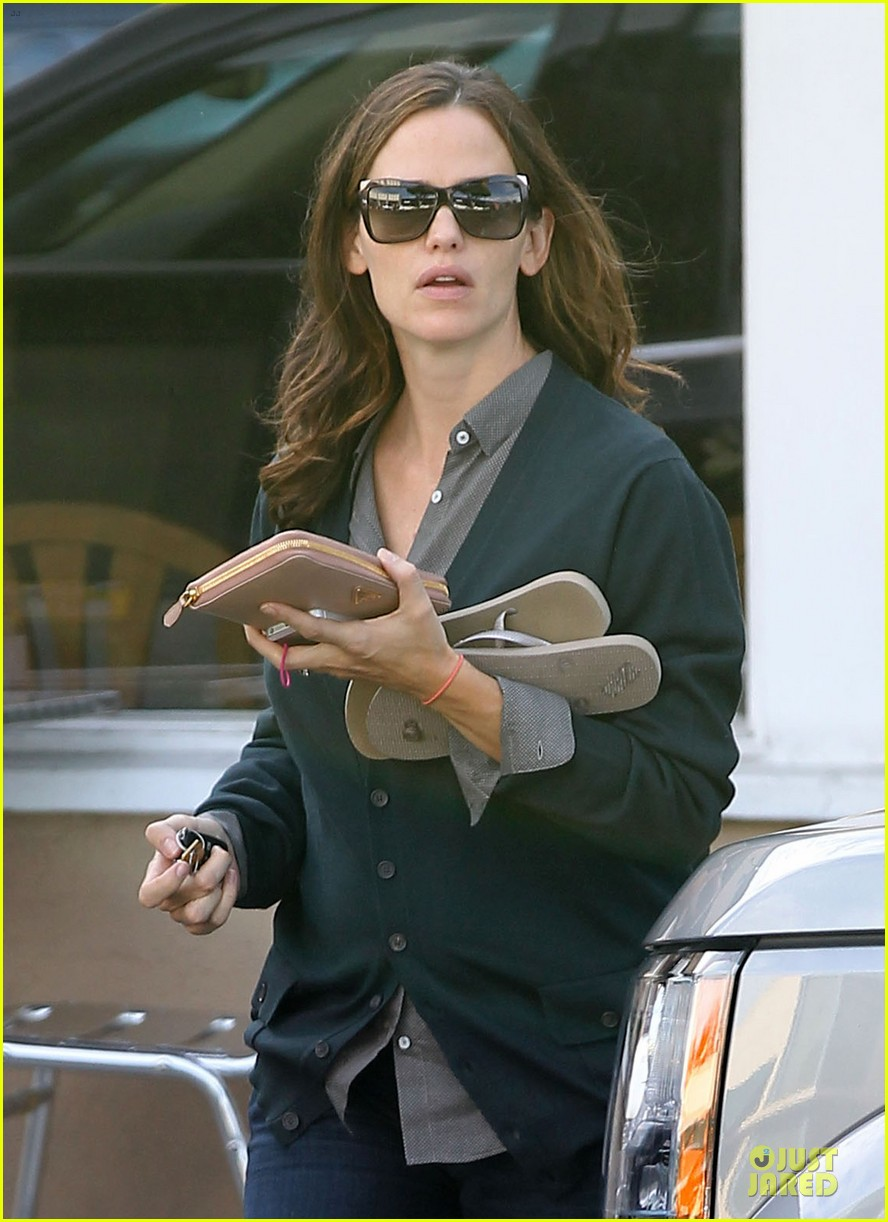 jennifer garner karate class with seraphina 07