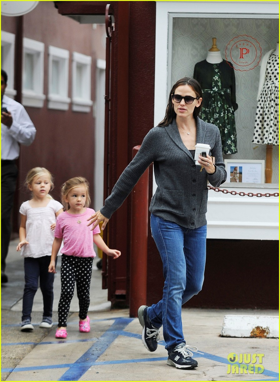 jennifer garner merry go round ride for seraphina 032740592