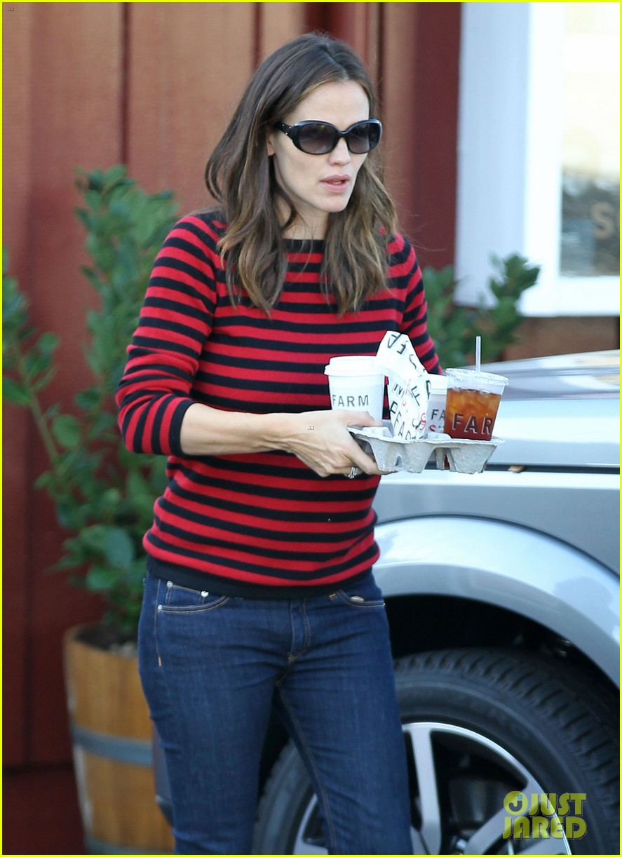jennifer garner breakfast to go with seraphina samuel 12